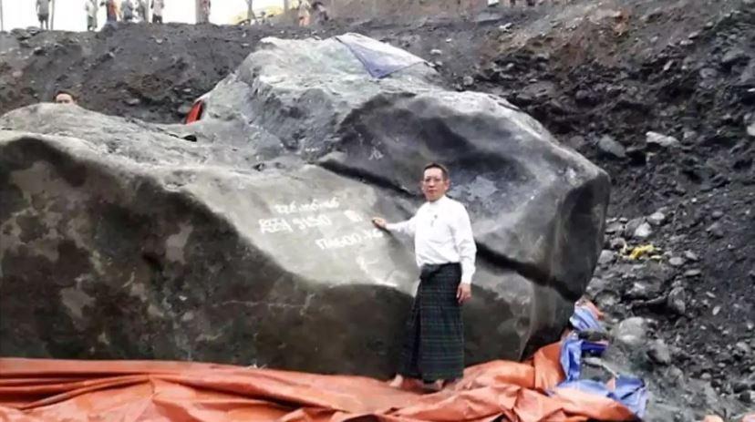 ค้นพบหยกก้อนใหญ่ที่สุดในโลก